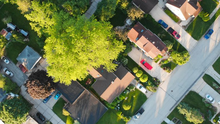 how to find the right neighborhood